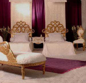 têtes de lits et autres meubles baroques